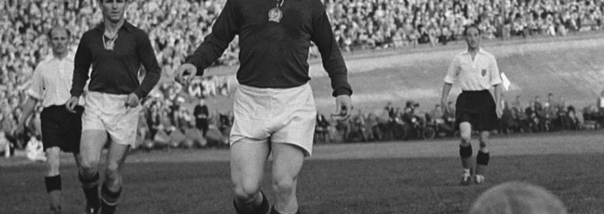 Puskas_Hidegkuti_Hongrie_1954_foot_dinfographies